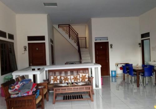 kost THOMAS AW, Surabaya